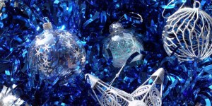 silver-blue-christmas-decorations1